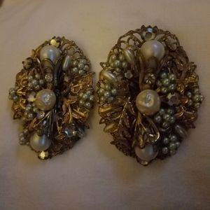 Antique earrings clip on 1940s